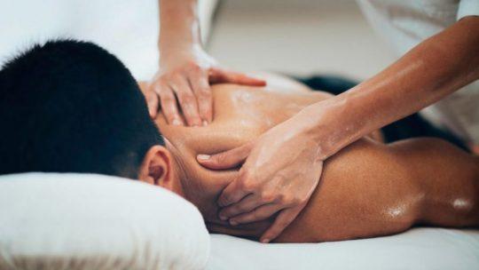 عزّز صحة جسمك بطريقة طبيعية فعّالة بالتدليك العلاجي